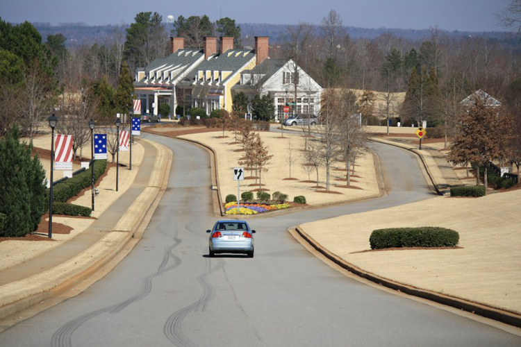 2_reunion_country_club_hoschton_georgia_entrance_streetscape